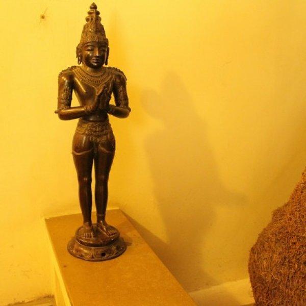 ராஜராஜ சோழன், உலகமாதேவி சிலைகள் ஒரிஜினலா? - சர்ச்சைக்கு பதில் அளிக்கும் வழக்கறிஞர்