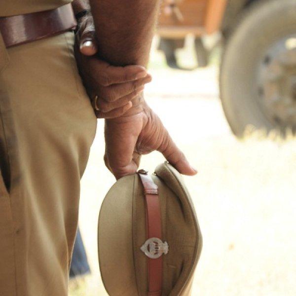 சென்னை போலீஸை பதறவைத்த 4 வாலிபர்கள்... நள்ளிரவில் நடந்த ரியல் ஷோ!