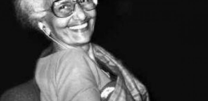 அங்கதச்சுவையை கொண்டாடிய ஒரே பெண் எழுத்தாளர் கிருத்திகா! - கதை சொல்லிகளின் கதை 28