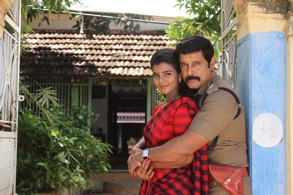 விக்ரமுடன் ஐஸ்வர்யா ராஜேஷ்
