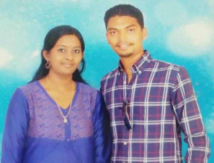 மனைவி சுவாதிகா ஸ்ரீயுடன் கீர்த்திவாசன்