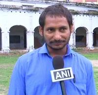 ஆசிரியர் முகேஷ் குமார் யாதவ்