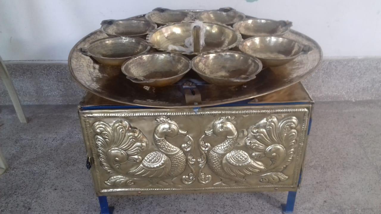 ராமேஸ்வரம் கோயிலில் நவக்கிரக விளக்கு