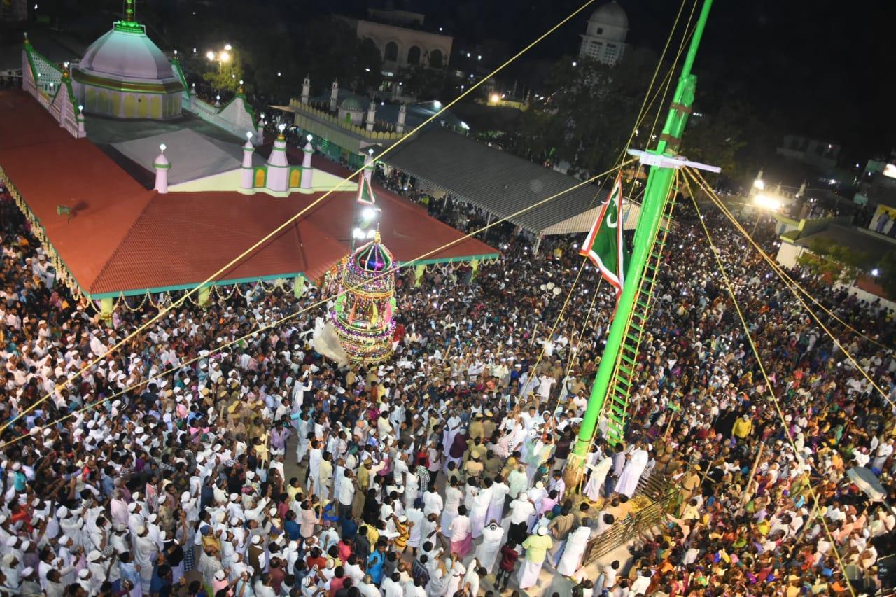 ஏர்வாடி தர்ஹா சந்தனக்கூடு திருவிழா கொடியேற்றம்