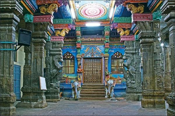 சந்திர கிரக்கணம் கோயில் நடை