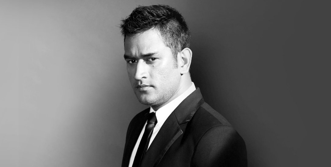 A magnificent strike into the crowd... லவ் யூ தோனி! #HappyBirthdayMSDhoni