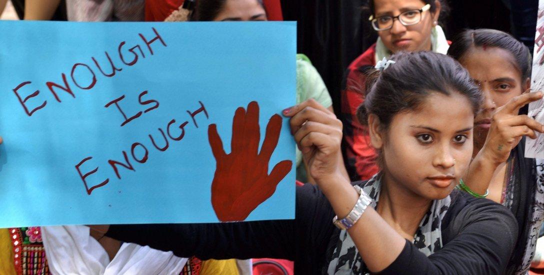 மத அரசியலில் சிக்கி தவிக்கும் கத்துவா, மண்ட்செளர் பாலியல் வன்முறை வழக்குகள்! #Kathua