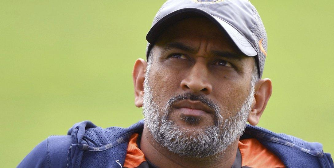 2019 உலகக் கோப்பை அணியில் தோனி... வேண்டும் 5 காரணங்கள்... வேண்டாம் 5 காரணங்கள்!