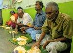 தினமும் 100 பேருக்கு உணவு... 13 வருடங்களாக அன்னமிடும் 'திருச்சி பாரதி'!