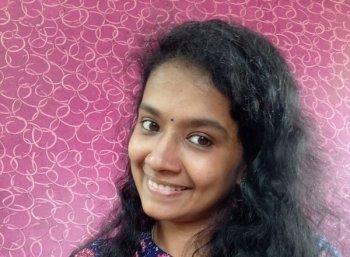 ``ஜி.வி.பிரகாஷ்கூட சேர்ந்து பாடினேன்... அவர் இன்னும் பார்க்கலை!'' - `ஸ்மூல்' லட்சுமி பிரியா