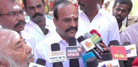 அரசியல் காழ்ப்பு உணர்ச்சியால்தான் அ.தி.மு.க மீது  குற்றம் சாட்டுகின்றனர் - அமைச்சர் கடம்பூர் ராஜு