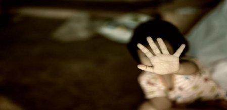 ``அந்தரங்க வீடியோ எடுத்திருக்கிறேன் என்ற மிரட்டலுக்குக் குழந்தைகள் பயப்படக் கூடாது!' உளவியல் டிப்ஸ்