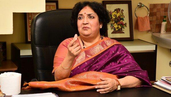 பணத்தை எப்போது வழங்குவீர்கள்..? லதா ரஜினிகாந்த்துக்கு உச்ச நீதிமன்றம் கேள்வி