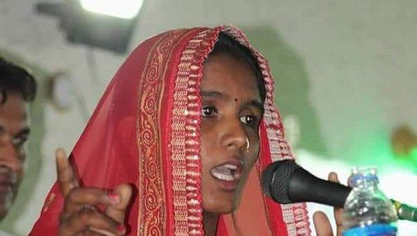 `அடிப்படை சுகாதாரம்தான் இலக்கு!' - பாகிஸ்தான் தேர்தலில் அசத்தும் இந்துப் பெண்