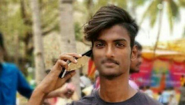 `நீ ஏன் என்னை வெறுக்கிறாய் சுமதி?'- சென்னை கல்லூரியில் நடந்த காதல் போராட்டம்