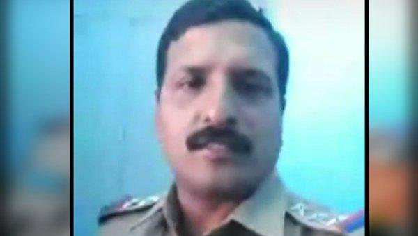 ஆபாச வீடியோவுக்காக கொதிக்கும் இன்ஸ்பெக்டர்!