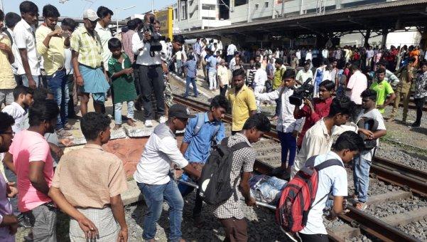 Chennai: பரங்கிமலை அருகே மின்சார ரயிலில் இருந்து கீழே விழுந்து நால்வர் பலி
