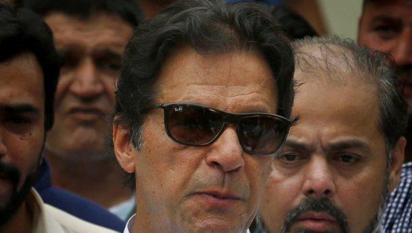 பாகிஸ்தான் தேர்தல் வாக்கு எண்ணிக்கை: இம்ரான் கான் முன்னிலை!