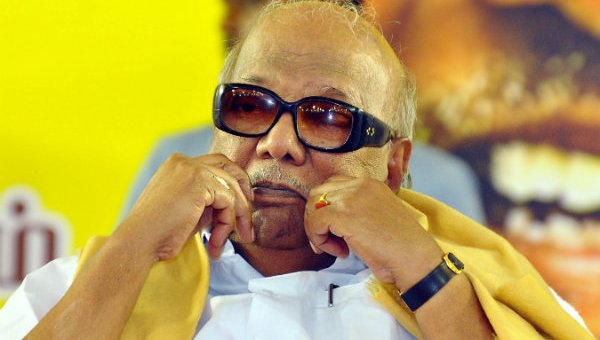 ' யாரையும் பார்க்கவில்லை; கையை அசைக்கவில்லை!' - கருணாநிதியின் ஹெல்த் ரிப்போர்ட் #Karunanidhi