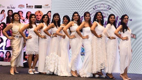 மாடல்ஸ் டு ரோல் மாடல்ஸ்... 72 இல்லத்தரசிகள் பங்கேற்கும் மிஸஸ் இந்தியா போட்டி! #MrsIndia2018