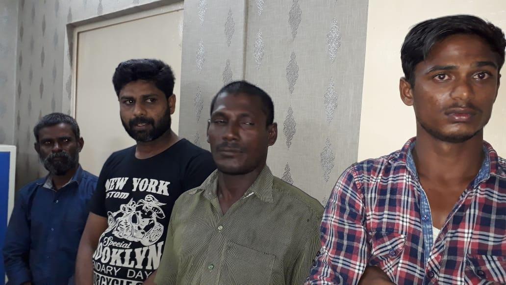 ராமேஸ்வரத்தில் இருந்து டெட்டனேட்டர் கடத்த முயன்றவர்கள்