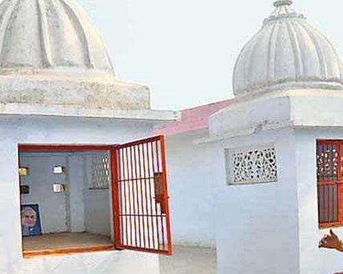 வாஜ்பாய் கோவில்