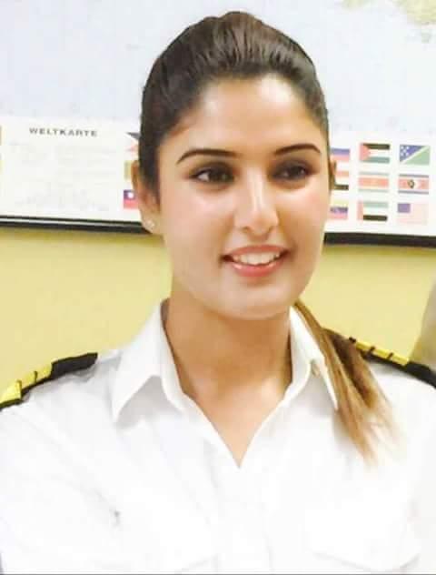 காஷ்மீர்  பெண் 'இராம் ஹபீப்