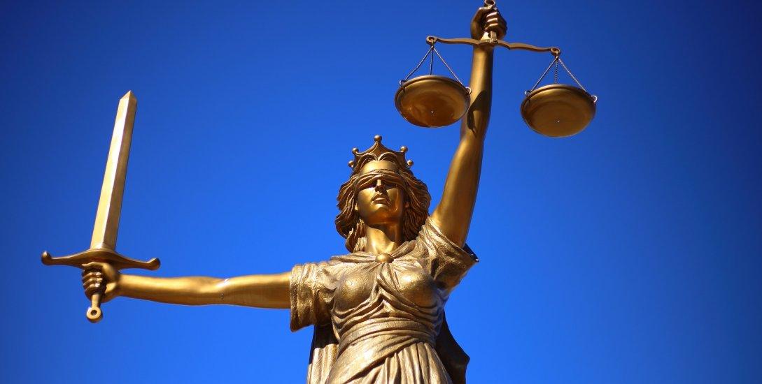 முதல்முறையாக உச்சநீதி மன்றத்தில் மூன்று பெண் நீதிபதிகள்! ஓர் அறிமுகம்!