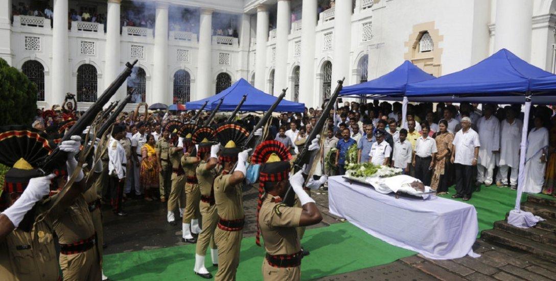 நாடாளுமன்றத்தின் நடுநிலையான குரல் சோம்நாத் சாட்டர்ஜி! #RIPSomnathChatterjee
