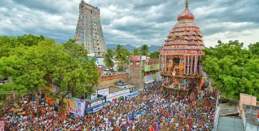 ஸ்ரீவில்லிப்புத்தூர் ஆடிப் பூரத்திருவிழா... ஆண்டாள் வீதியுலா தரிசனம்!  #VikatanPhotoStory