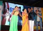 `வெள்ளம் மக்களுக்கு பெரிய பாடத்தைக் கற்றுக் கொடுத்துள்ளது!' - சின்னத்திரை நடிகை உருக்கம் #KeralaFloods