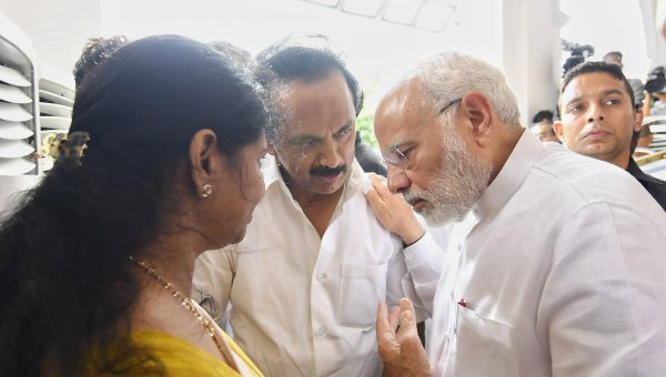 `அழகிரி எங்கே..?'- ஸ்டாலினிடம் விசாரித்த மோடி