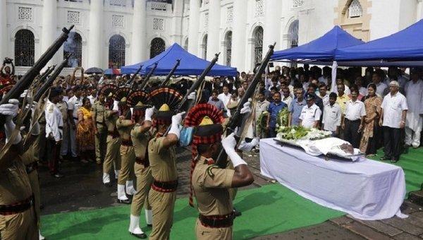 21 குண்டுகள் முழங்க தானமாக வழங்கப்பட்டது சோம்நாத் சாட்டர்ஜியின் உடல்!