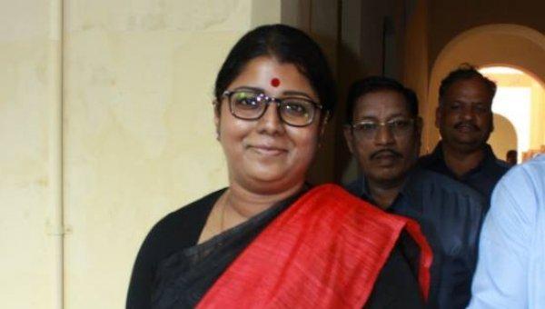 'தீய சக்தி' தினகரன், ஜெ மரண மர்மம், நிஜ வாரிசு! - 'அலேக்' கிருஷ்ணபிரியா #VikatanExclusive