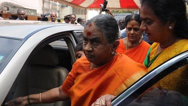 மருத்துவமனையில் தயாளு அம்மாள் அனுமதி - ஸ்டாலின் வருகை!