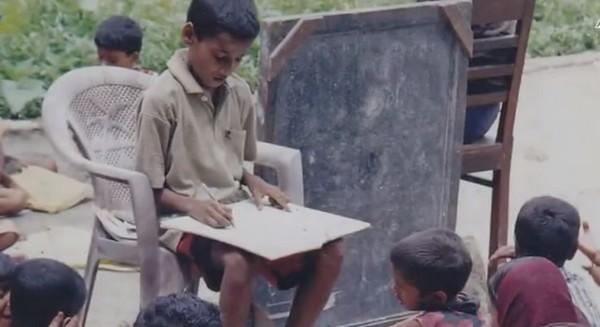 சிறு வயது ஆசிரியர் பாபர் அலி