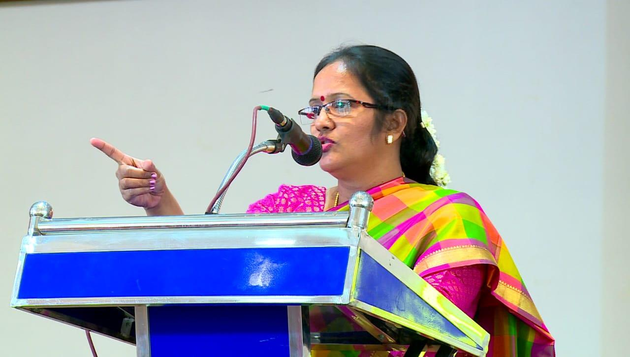 சியாமளா ரமேஷ் பாபு