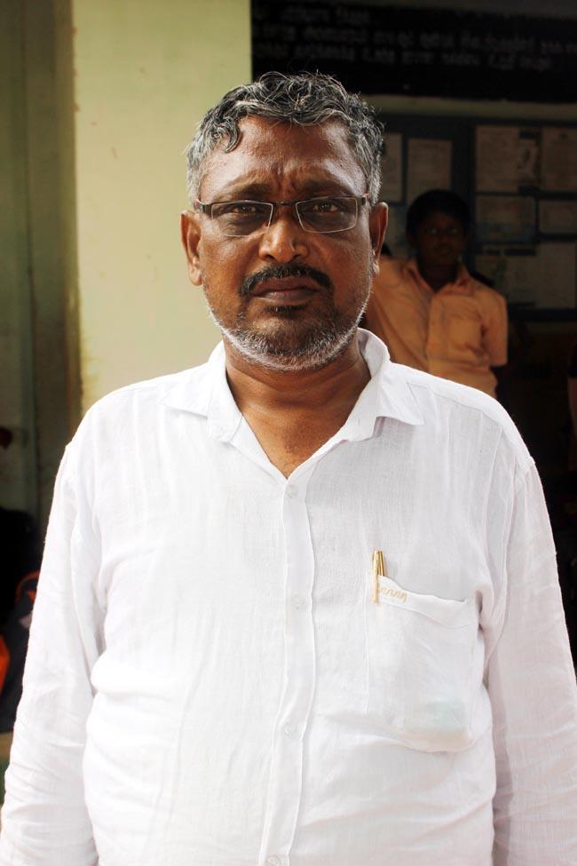 தலைமையாசிரியர் ஷாகுல் ஹமீது