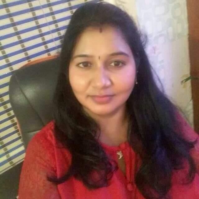 பியூட்டிஷியன் பெண்