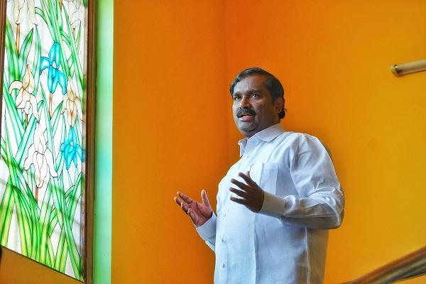 வேல்முருகன் - தமிழக வாழ்வுரிமை கட்சியின் தலைவர்