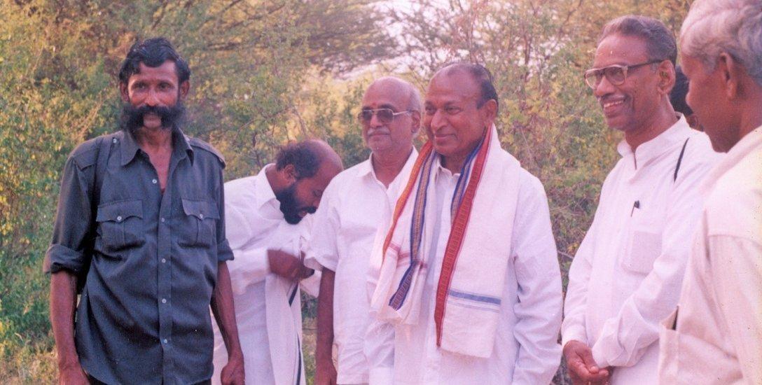 நடிகர் ராஜ்குமார் கடத்தல் முதல் கோபி நீதிமன்ற தீர்ப்பு வரை..! வீரப்பன் வழக்கின் டைம்லைன் #VikatanInfographics