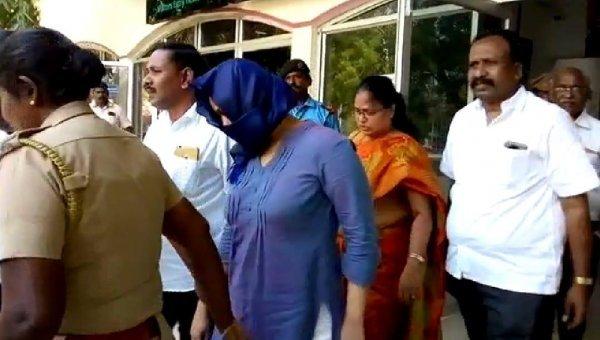 ''ஷோபியாவின் செல்போன் முடக்கப்பட்டது... பாஸ்போர்ட் முடக்கம் நடைபெறுகிறது!'' - தந்தையின் பதட்டம்  #VikatanExclusive  #LoisSofia