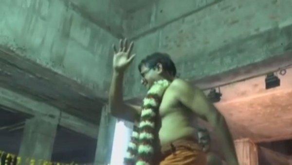 கோயில் திருவிழாவில் ஆடிய நெல்லை துணை வேந்தர்!