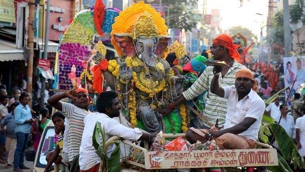 சென்னையில் இன்று கரைக்கப்படுகிறது விநாயகர் சிலைகள் - பாதுகாப்பு பணியில் பத்தாயிரம் போலீஸார்