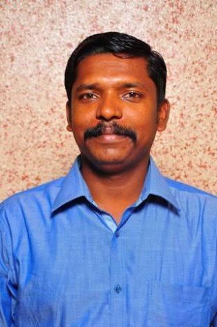 பேராசிரியர் செல்வகுமார்