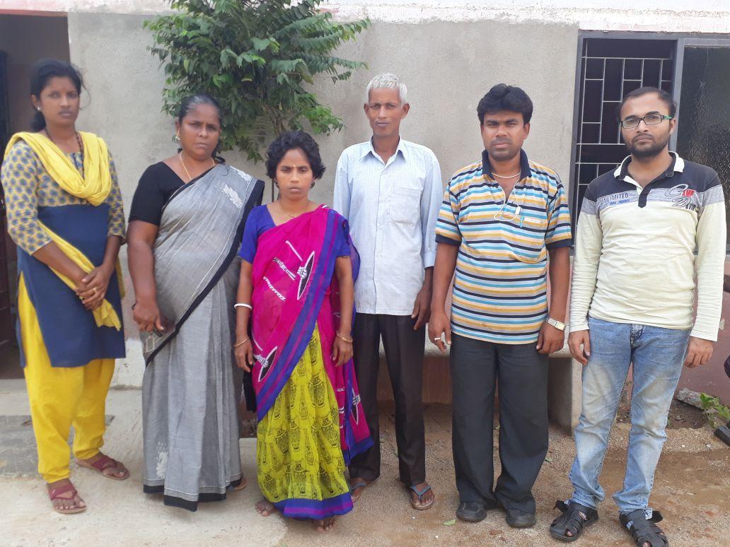 கணவர் தேப்குமாருடன் ரஞ்சிதா