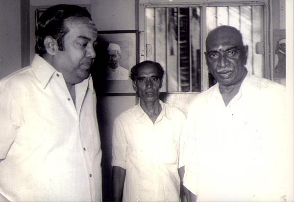 கண்ணதாசன் காமராஜருடன்