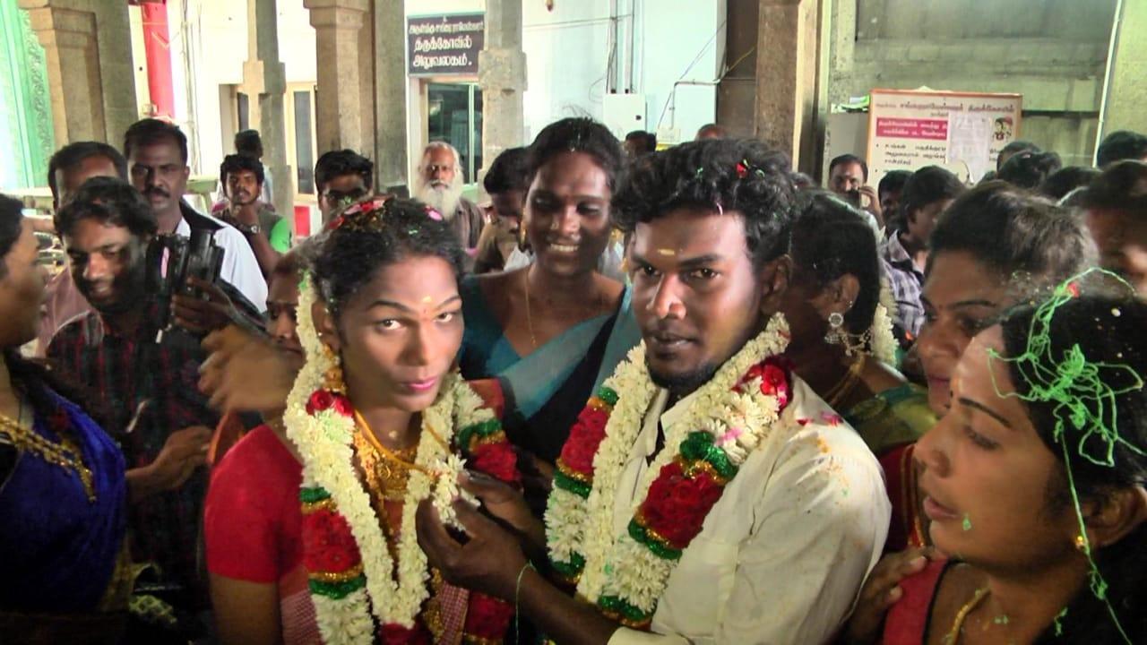 திருமணக் கோலத்தில் ஸ்ரீஜா- அருண்குமார்