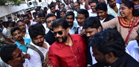 Tamilnadu media condemns Nakkheeran Gopal's arrest!