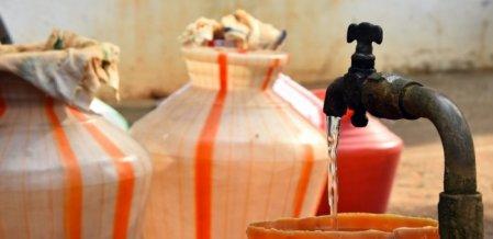 சென்னையில் முற்றுகிறது தண்ணீர் நெருக்கடி... நிஜமாகிறதா `கத்தி' கிளைமாக்ஸ்?